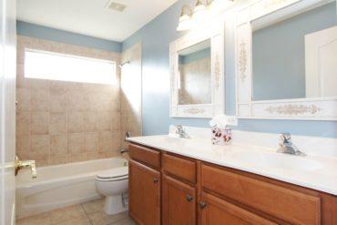 Lavabos dobles, la solución ideal para compartir baño