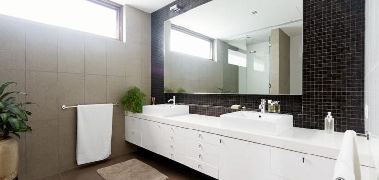 Elementos que añadir a tu baño compartido