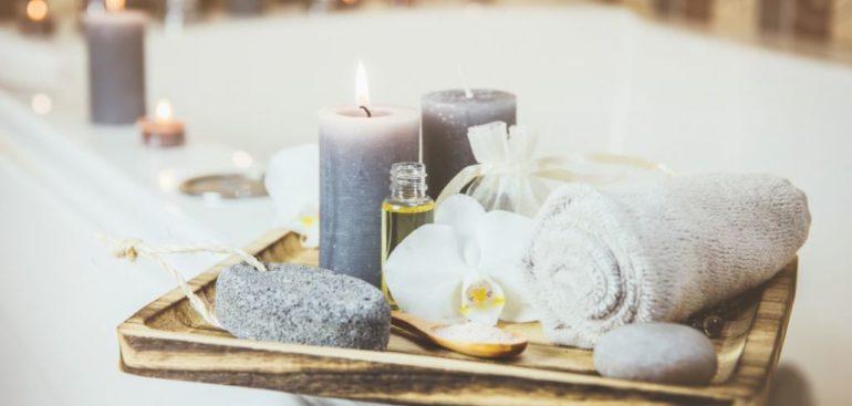 Decoración de un baño romántico para San Valentín